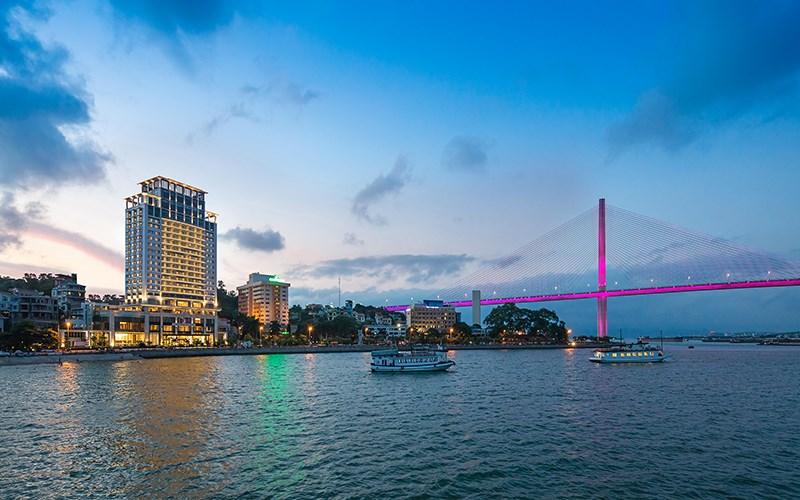Khách sạn Wyndham Legend cóvị trí thuận lợi, thuận lợi cho việc di chuyển